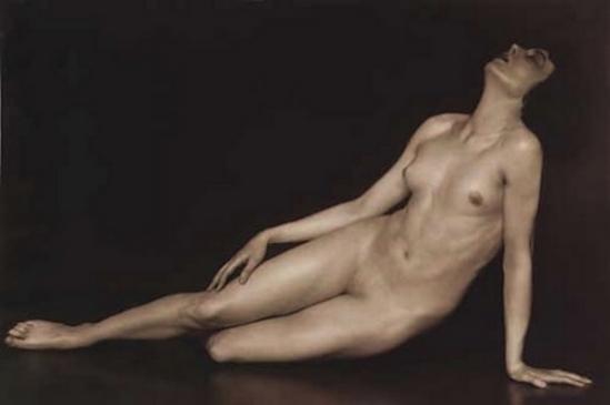 Trude Fleischmann un nu allongé, Claire Bauroff, vers 1925-1926