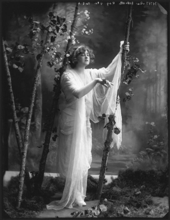 Alexander Bassano - Gabrielle Ray,  1910