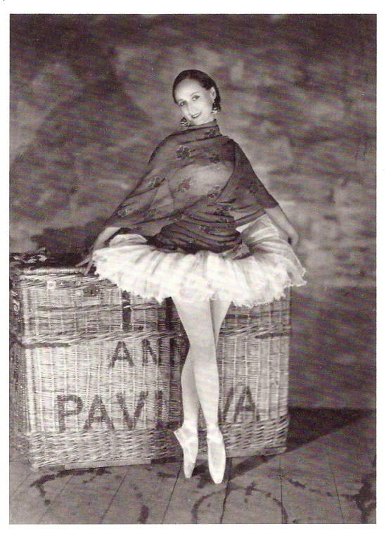 James Abbe - Anna Pavlova, Théatre des Champs Elysées, Paris - 1927