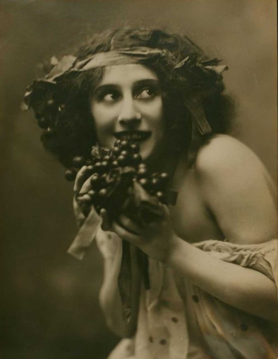 Mishkin Studio- Anna Pavlova in Automne bacchanale , 1910