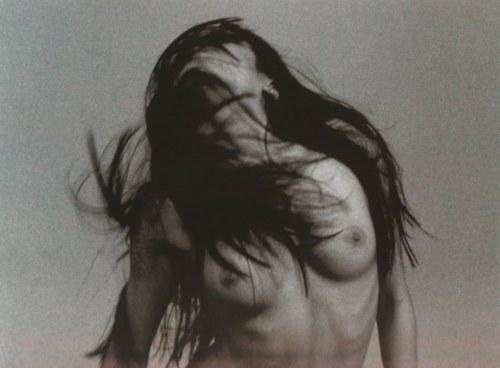 © Robert Carlos Clarke  -lainee bailando, 2002