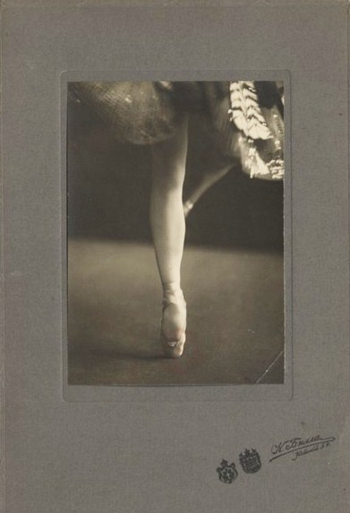 K. Tyrsa -Pied de la danseuse Olga Spessivtseva, Nd , carte postale