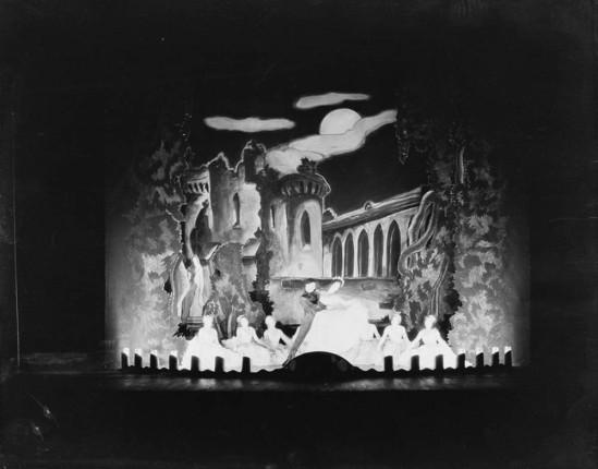 Florence Vandamm (Vandamm Studio) -Scene from The Band Wagon, at New Amsterdam Theatre, 1931