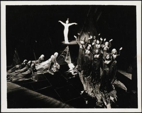 Florence Vandamm (Vandamm Studio) -Tilly Losch and Albertina Rasch Dancers ,in The Band Wagon at New Amsterdam Theatre, 1931 3
