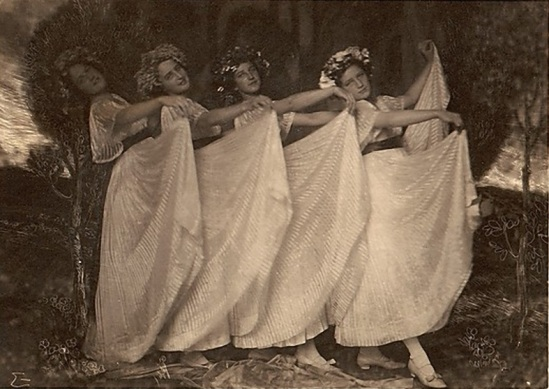 Franck Eugene- Four Sisters 1900