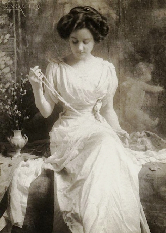 Franck Eugene - The necklace of pearls, 1900s_e