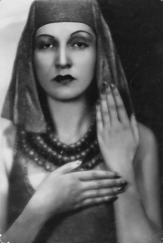 Madame d'Ora - Princesse Leila Bederkhan, danseuse Kourde , 1930