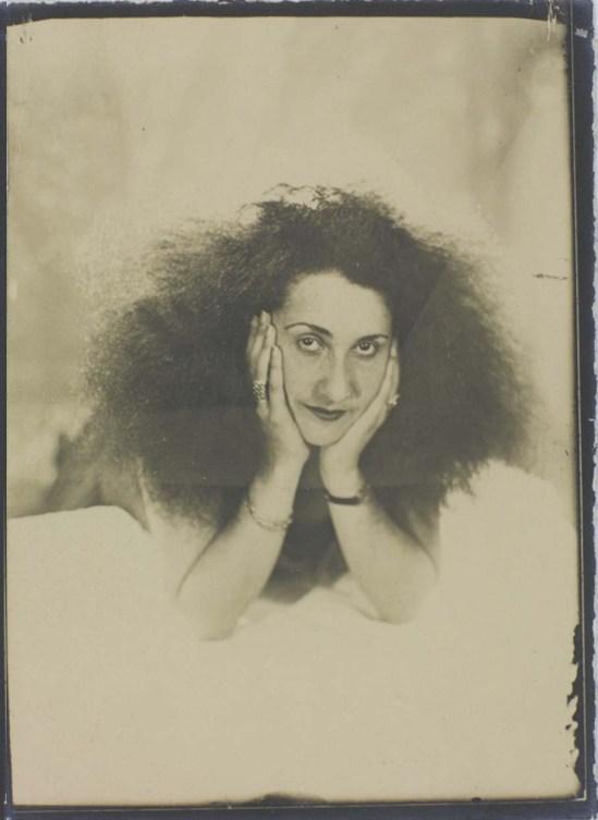 Man Ray- Denise Tual (Titus) 1935 Epreuve gélatino-argentique ( productrice de cinéma, monteuse et réalisatrice française Paris) , 1935 (c) Man Ray Trust 2