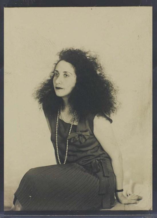 Man Ray- Denise Tual (Titus) 1935 Epreuve gélatino-argentique ( productrice de cinéma, monteuse et réalisatrice française Paris) , 1935 (c) Man Ray Trust 4