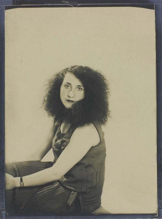 Man Ray- Denise Tual (Titus) 1935 Epreuve gélatino-argentique( productrice de cinéma, monteuse et réalisatrice française Paris) , 1935 (c) Man Ray Trust