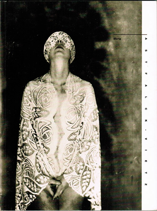 Marta Astfalck Vietz- photography, 1930s ( nude masked ) cover of the catalog Photographien 1922-1935 [Ausstellungskatalog], by Berlinische Galerie, 1991