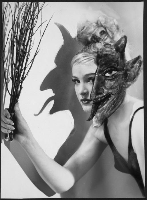 Studio Manassé- Ellentétes érzelmek, 1950