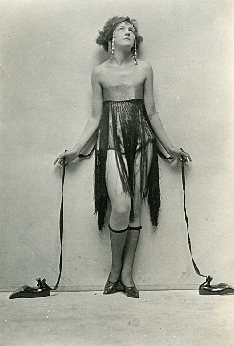Charles Gates Sheldon – Photo for the advertising campaign of Fox Shoes. 1920