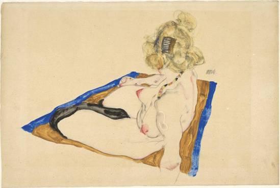 Egon Schiele -Blond weibliche Modell nackt Sitzung auf einem braunen Tuch, (Modèle féminin blond nu assis sur une étoffe marron,)1912..