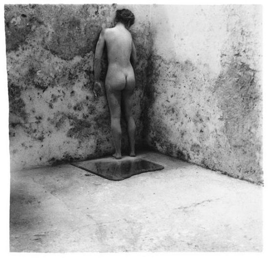 Francesca Woodman, Self-Deceit #3, Rome 1978