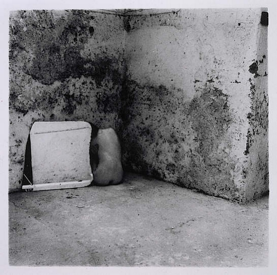Francesca Woodman -Self Deceit #5, Rome, 1978