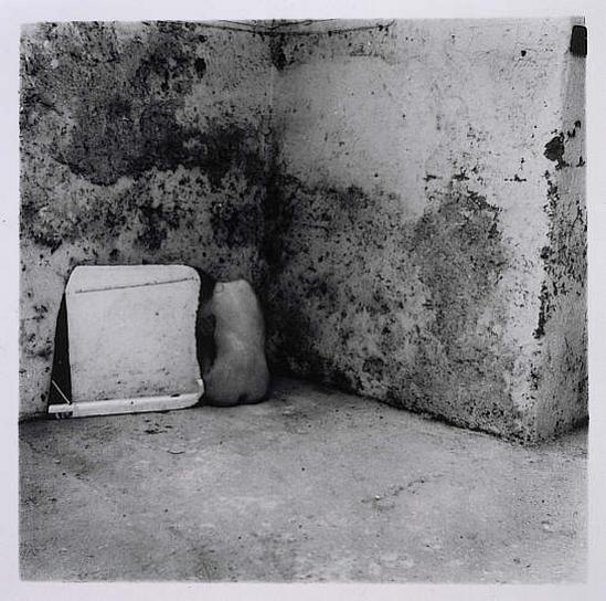 Francesca Woodman -Self Deceit #5, Rome, 1978