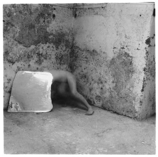 Francesca-Woodman-Self-Deceit #6 Rome, 1978
