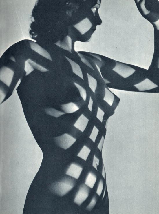 Heinrich Heidersberger- Kleid aus light, ( Robe de lumière), 1949