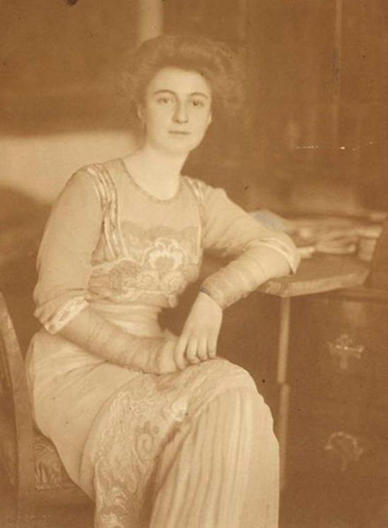 Máté Olga- Hatvany Jolán 1917