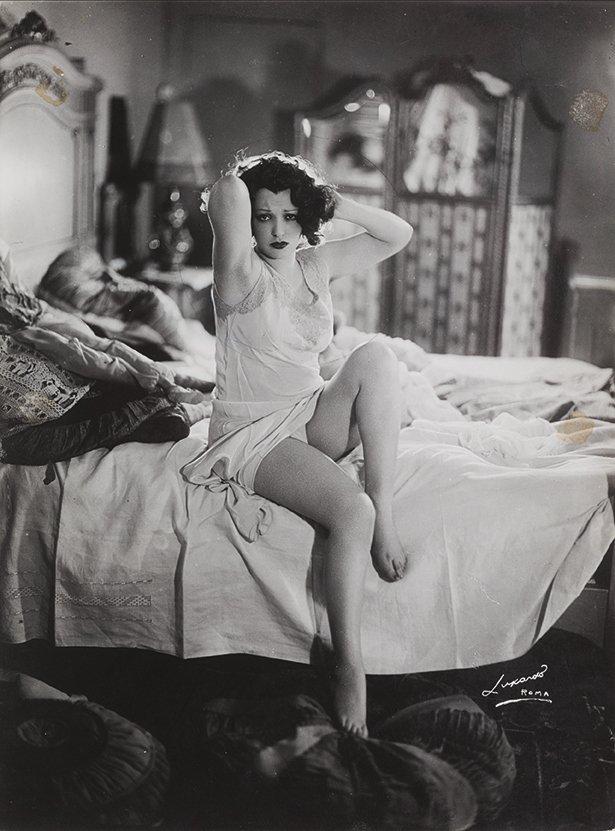 Elio Luxardo-Leda Gloria, 1940