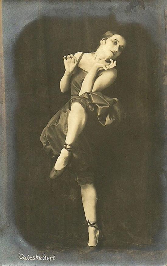 Atelier Leopold- The Jewish cabaret artist Valeska Gert München (Munich)., 1918 fig 2