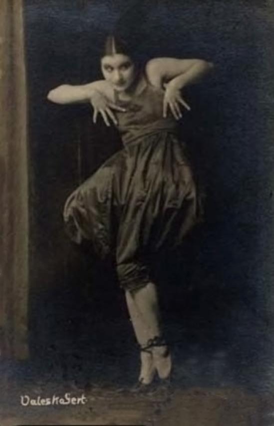 Atelier Leopold- The Jewish cabaret artist Valeska Gert München (Munich)., 1918 fig 3