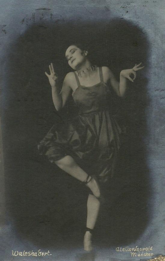 Atelier Leopold- The Jewish cabaret artist Valeska Gert München (Munich)., 1918