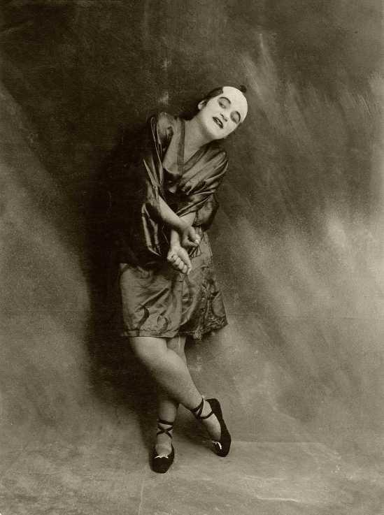Berliner Illustrations-Gesellschaft -Valeska Gert, dans sa danse Japanische Groteske Berlin, 1917