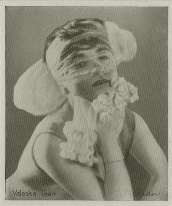 Binder Valeska Gert , 1933