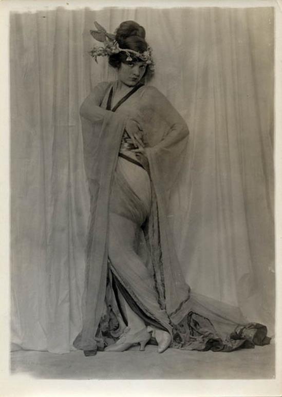Charles Gates Sheldon – Julia Wainwright Robbins-Hoyt, 1920s