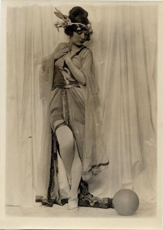 Charles Gates Sheldon -Julia Wainwright Robbins-Hoyt , c.1920