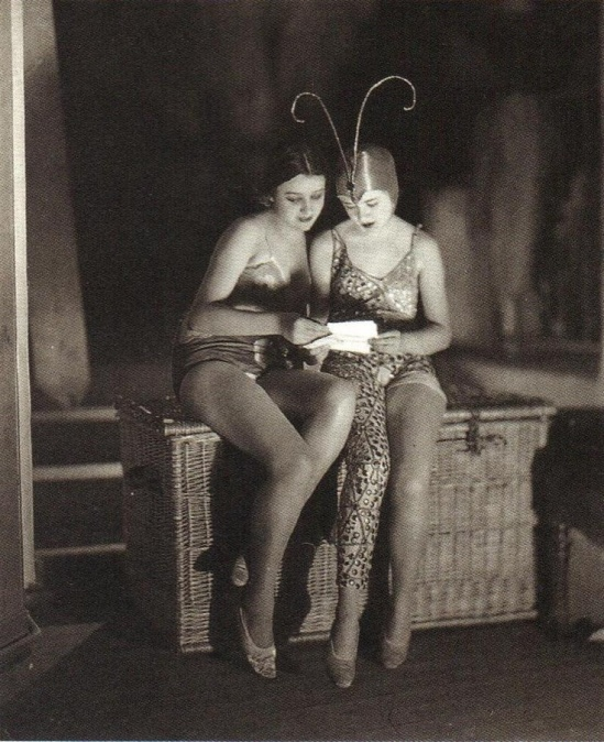 James Abbe - Backstage, French and English girls at the Moulin Rouge, 1926