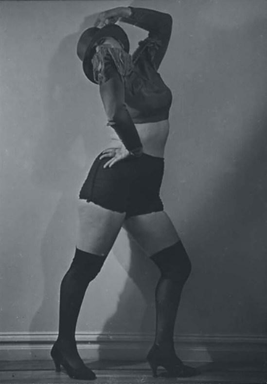 Lisette Model- Valeska Gert, Ole , 1940 (national G of canada)