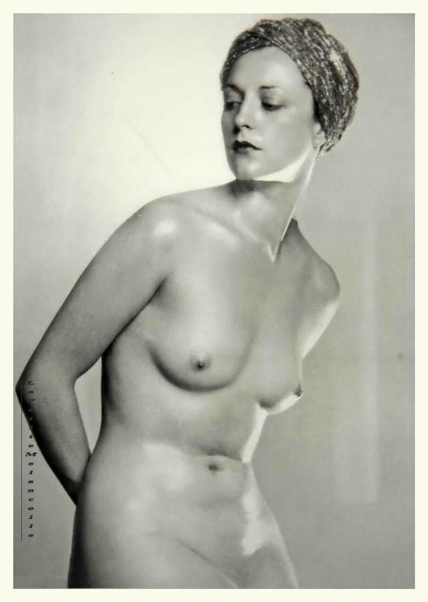 Dorothea Wilding , nude ,1930s plate 17 Portfolio Das Deutsche Aktwerk edited Bruno Schultz , 1938