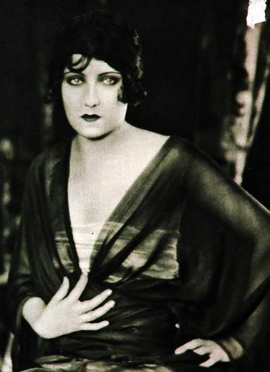 Edward Bower- Gloria Swanson, 1923