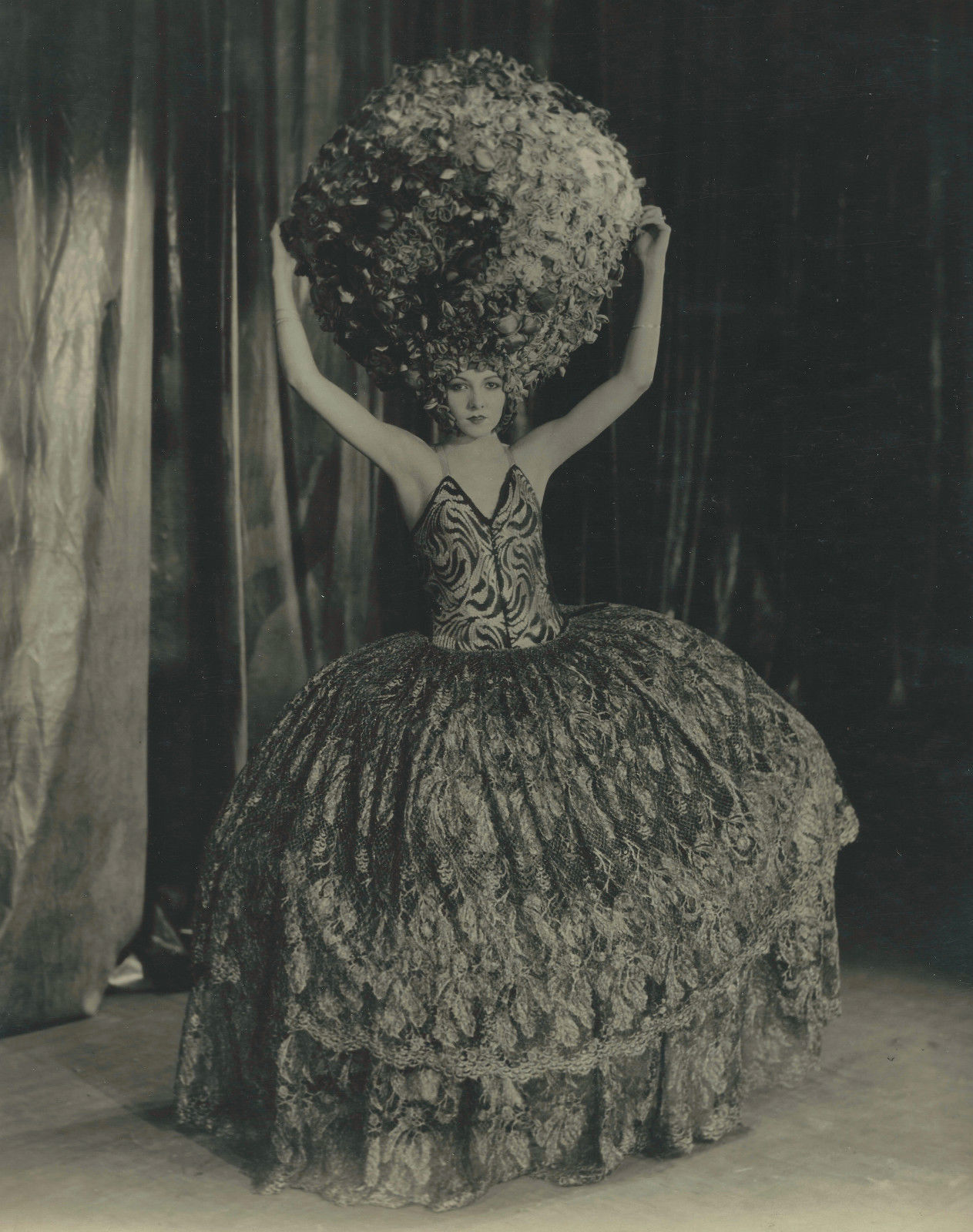 Edward Bower Hesser Grace Kay White for the Geenwich village Follies christmas fund benefit, 1929