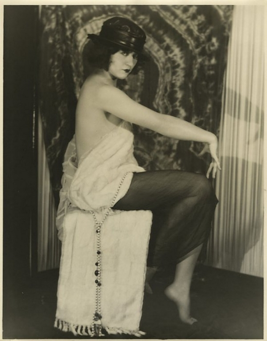 Edwin Bower Hesser or Harold Dean Carsey ( i can't choose !!!beacause it's really similar) - Marie Prevost ,1920-25s via live ctionneer