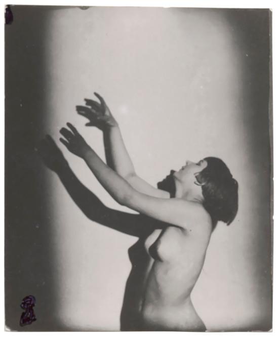 frantisek-drtikol-1883-1961-untitled-female-nude-leaning-upwards-1920s
