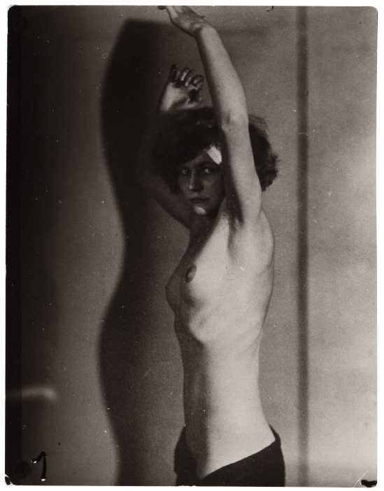 frantisek-drtikol-female-with-arms-raised-1920-gelatin-silver-print