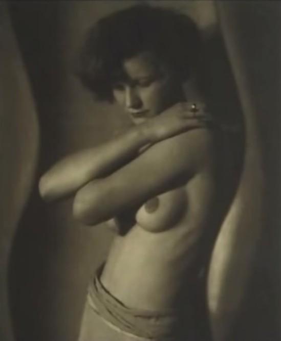 frantisek-drtikol-sans-titre-vers-1930-1-collections-du-musee-de-la-photographie-charleroi-_e