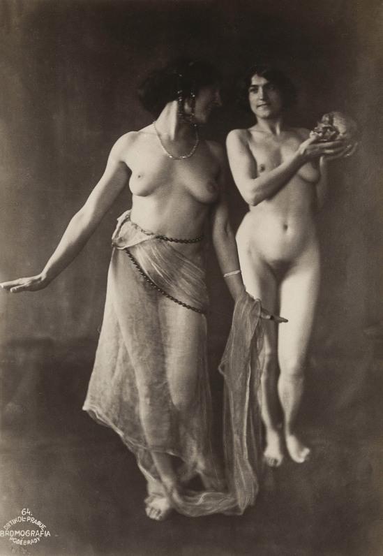 frantisek-drtikol-two-nudes-with-skull-c-1912-gelatin-silver-print