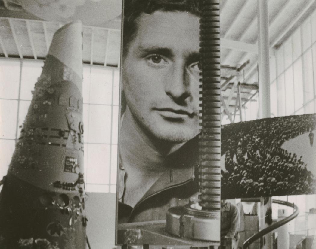 Josef Breitenbach-Exposition Internationale, Paris, vue de l'intérieur du Pavillon de la Suisse 1937 © The Josef Breitenbach Trust