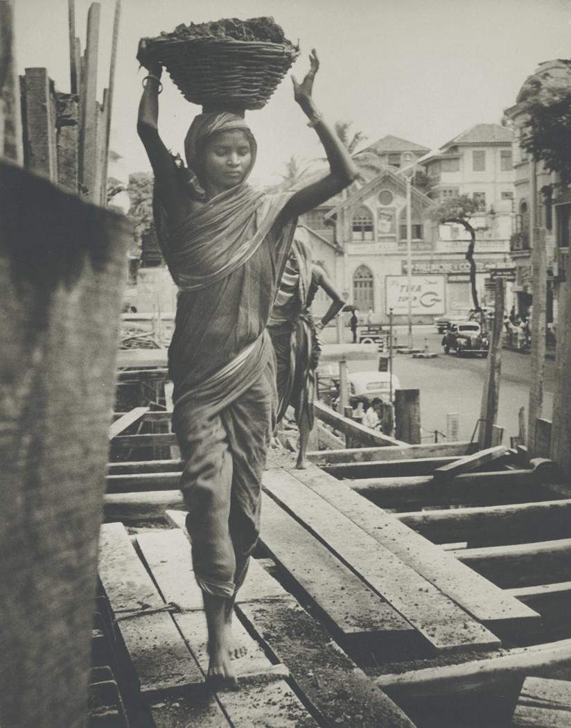 Josef Breitenbach-India, Construction Worker, Bombay, 1960