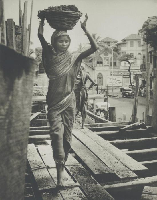Josef Breitenbach-India, Construction Worker, Bombay, 1960