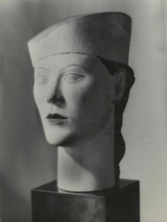 Josef Breitenbach -modern female bust with hat, Paris - facing toward left], 1935