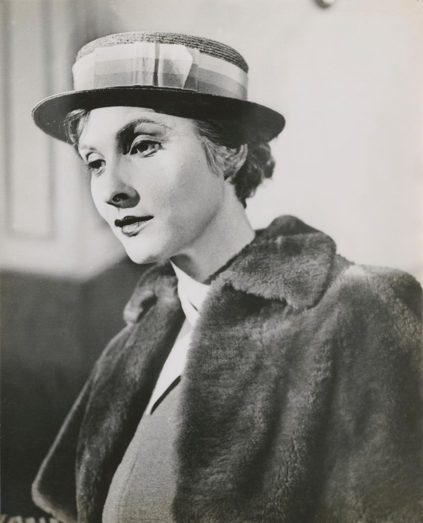 Josef Breitenbach-Sybille Binder, in fur coat. 1932
