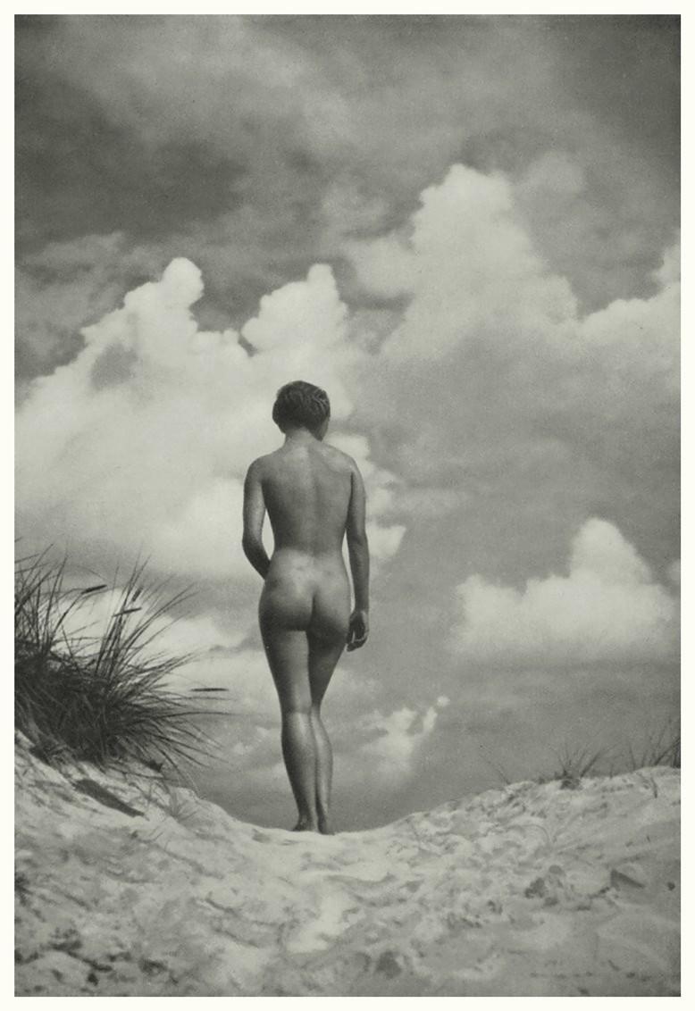 nude on the by Heinz v. Perckhammer, 1930s plate #2 ,Portfolio Das Deutsche Aktwerk edited Bruno Schultz , ed° #2 , 1940 (first edition in 1938)