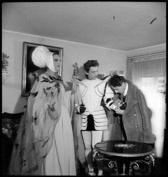 Roger Parry-Madeleine Renaud et Jean Cocteau de travail Répétition de Renaud et Armide, 1943