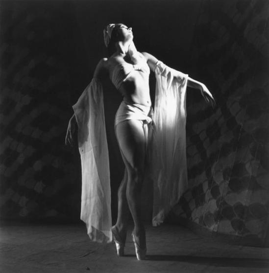 Parry Roger (1905-1977)- Portrait de la danseuse Ludmilla Tcherina pour un spectacle de danse à Nice-Monte-Carlo, Novembre 1943